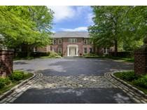 独户住宅 for sales at Colonial    Brookville, 纽约州 11545 美国