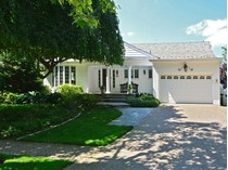 Einfamilienhaus for sales at Colonial 1590 Bay Blvd   Atlantic Beach, New York 11509 Vereinigte Staaten