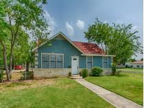 獨棟家庭住宅 for sales at Beautifully Renovated Home in Jefferson Terrace 2601 W Mistletoe Ave  Jefferson Terrace, San Antonio, 德克薩斯州 78228 美國