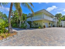 Casa Unifamiliar for sales at SIESTA KEY 3445  Anglin Dr   Sarasota, Florida 34242 Estados Unidos