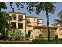 Einfamilienhaus for sales at PELICAN BAY - BAY VILLAS 546  Bay Villas Ln   Naples, Florida 34108 Vereinigte Staaten