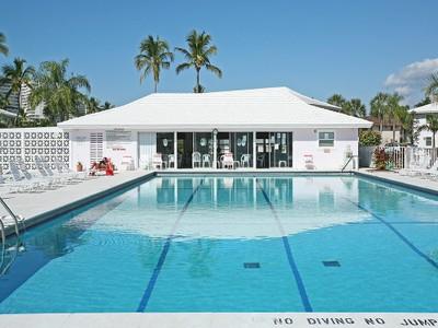Condomínio for sales at MARCO ISLAND - SEABREEZE 235  Seaview Ct B9 Marco Island, Florida 34145 Estados Unidos