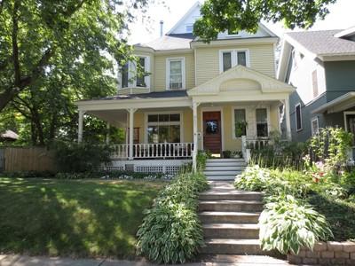 Maison unifamiliale for sales at 900 Laurel Ave , Saint Paul, MN 55104 900  Laurel Ave  St. Paul, Minnesota 55104 États-Unis