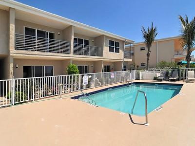 Copropriété for sales at BEACH AT LONGBOAT KEY 3465  Gulf Of Mexico Dr 222 Longboat Key, Florida 34228 États-Unis