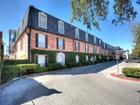 Appartement en copropriété for sales at Corner Unit at The Georgian 8401 N New Braunfels Ave 329   San Antonio, Texas 78209 États-Unis