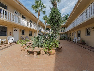 Condo / Townhome / Villa for rentals at 980 7th Ave S 107  Naples, Florida 34102 United States