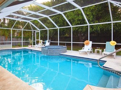 Vivienda unifamiliar for sales at MARCO ISLAND - CENTURY 449  Century Dr Marco Island, Florida 34145 Estados Unidos