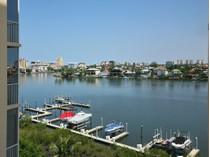 Eigentumswohnung for sales at VANDERBILT - REGATTA 410  Flagship Dr 601   Naples, Florida 34110 Vereinigte Staaten