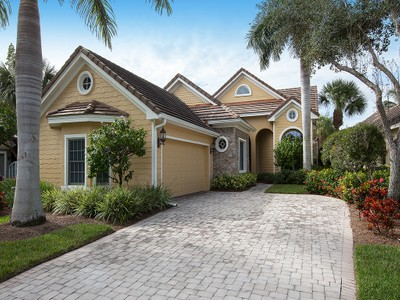 Casa Unifamiliar for sales at FIDDLER'S CREEK - MALLARD'S LANDING 8523  Mallards Way Naples, Florida 34114 United States
