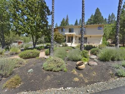 Casa para uma família for sales at 555 White Cottage Rd S, Angwin, CA 94508 555  White Cottage Rd Angwin, Califórnia 94508 Estados Unidos