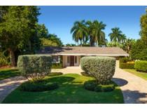 Maison unifamiliale for sales at THE MOORINGS 3003  Crayton Rd  The Moorings, Naples, Florida 34103 États-Unis