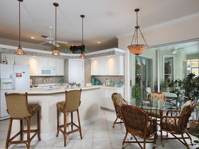 Maison unifamiliale for sales at WYNDEMERE - GRASMERE 910  Wyndemere Way Naples, Florida 34105 États-Unis