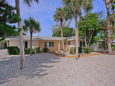 Maison unifamiliale for sales at CASEY KEY 418 N Casey Key Rd Osprey, Florida 34229 États-Unis