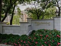 Condominium for sales at Condo 100 Hilton Ave 4 402   Garden City, New York 11530 United States