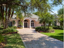 Casa Unifamiliar for sales at PELICAN LANDING GOLDCREST 24851  Goldcrest Dr   Bonita Springs, Florida 34134 Estados Unidos