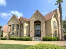 Частный односемейный дом for sales at Gorgeous Dominion Estate 22 Carriage Hills  The Dominion, San Antonio, Техас 78257 Соединенные Штаты
