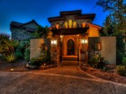 Casa Unifamiliar for  sales at Stunning Home With Canyon Top Views 8651 Terra Dale San Antonio, Texas 78255 Estados Unidos