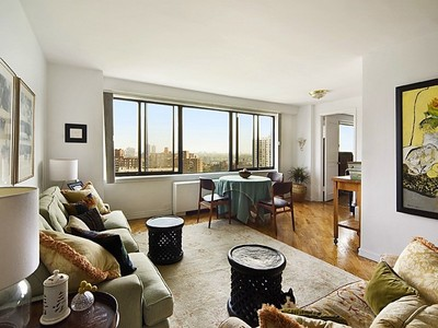 Copropriété for sales at Large & Bright 3 BR in Full-Service Luxury Co-op 3671 Hudson Manor Terrace 17EF Riverdale, New York 10463 États-Unis