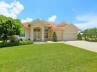 獨棟家庭住宅 for sales at LAKES OF JACARANDA 750  Thistlelake Dr Venice, 佛羅里達州 34293 美國