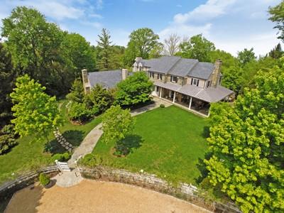 獨棟家庭住宅 for sales at 1100 Dogwood Drive, McLean   McLean, 弗吉尼亞州 22101 美國