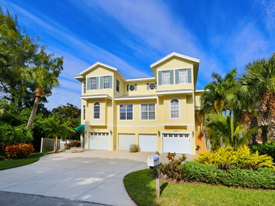 Townhouse for sales at GRAND SIESTA I 449  Canal Rd Sarasota, Florida 34242 United States