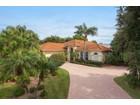 Casa Unifamiliar for  sales at NAPLES BATH AND TENNIS CLUB 1401  Hummingbird Ln   Naples, Florida 34105 Estados Unidos