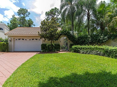 Single Family Home for sales at WYNDEMERE - VILLA FLORESTA 208  Via Napoli Naples, Florida 34105 United States