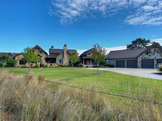 Einfamilienhaus for sales at Magnificent Property with One-of-a-Kind Views 110 Spiritual Pass   Spring Branch, Texas 78070 Vereinigte Staaten