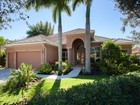 Maison unifamiliale for sales at WILSHIRE LAKES 3987  Stonesthrow Ct Naples, Florida 34109 États-Unis
