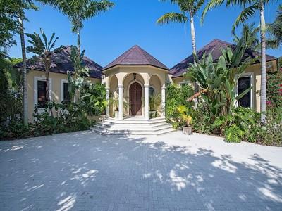 獨棟家庭住宅 for sales at PORT ROYAL 1390  Spyglass Ln Naples, 佛羅里達州 34102 美國