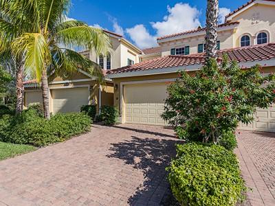 Condominio for sales at FIDDLER'S CREEK - LAGUNA 9243  Tesoro Ln 202 Naples, Florida 34114 Estados Unidos