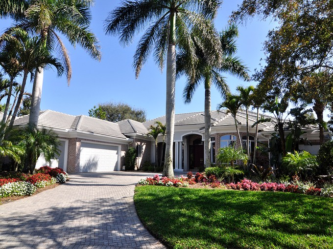 Частный односемейный дом for sales at BONITA BAY - CREEKSIDE 26111  Red Oak Ct Bonita Springs, Флорида 34134 Соединенные Штаты