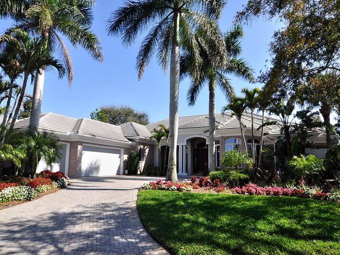 Einfamilienhaus for sales at BONITA BAY - CREEKSIDE 26111  Red Oak Ct   Bonita Springs, Florida 34134 Vereinigte Staaten