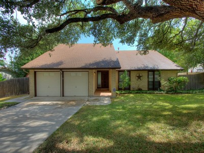 Casa Unifamiliar for sales at Lovely Home in Fox Run 6423 Falls Church St  San Antonio, Texas 78247 Estados Unidos
