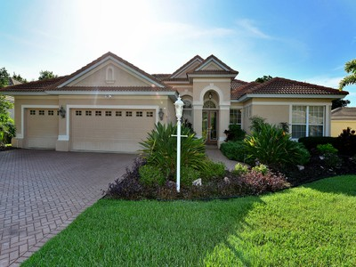 Casa para uma família for sales at EDGEWATER VILLAGE 8131  Waterview Blvd Lakewood Ranch, Florida 34202 Estados Unidos