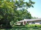 Maison unifamiliale for sales at Ranch 1 Berkshire Ct Port Jefferson, New York 11777 États-Unis