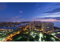 Condominio for sales at 4151 Gulf Shore Blvd N, PH-4 S, Naples, FL 34103 4151  Gulf Shore Blvd  N PH-4 S   Naples, Florida 34103 Stati Uniti