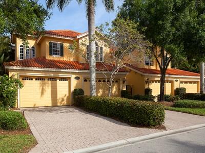 Appartement en copropriété for sales at FIDDLER'S CREEK - CASCADA 9114  Cascada Way 201 Naples, Florida 34114 États-Unis