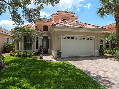 Nhà ở một gia đình for sales at KENSINGTON 4080  Kensington High St Naples, Florida 34105 Hoa Kỳ