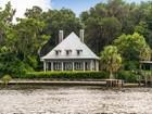 Casa Unifamiliar for  sales at WELAKA 901  Front Street  Welaka, Florida 32193 Estados Unidos