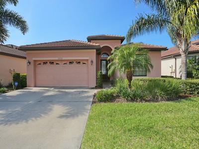 Casa Unifamiliar for sales at VENETIAN FALLS 20325  Pezzana Dr Venice, Florida 34292 Estados Unidos