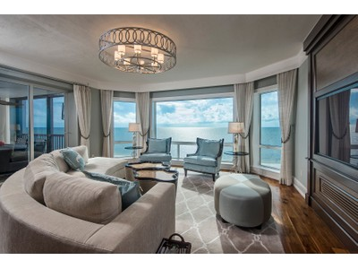 Eigentumswohnung for sales at BAY COLONY - BAY COLONY 8473  Bay Colony Dr 703  Naples, Florida 34108 Vereinigte Staaten