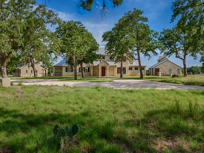 Nhà ở một gia đình for sales at Major Price Reduction in Champee Springs! 6823 Ranger Creek Rd  Boerne, Texas 78006 Hoa Kỳ