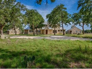 Single Family Home for sales at Major Price Reduction in Champee Springs! 6823 Ranger Creek Rd Boerne, Texas 78006 United States