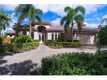 Vivienda unifamiliar for sales at THE MOORINGS 545  Riviera Dr  The Moorings, Naples, Florida 34103 Estados Unidos