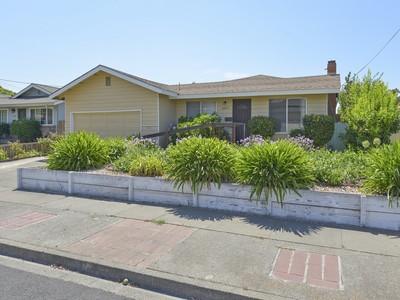 Vivienda unifamiliar for sales at 2059 Maria Dr, Napa, CA 94559 2059  Maria Dr Napa, California 94559 Estados Unidos