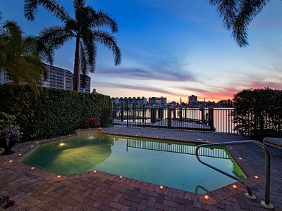 Townhouse for sales at VANDERBILT BEACH - VANDERBILT LAGOON VILLAS 9207  Vanderbilt Dr 5 Naples, Florida 34108 United States