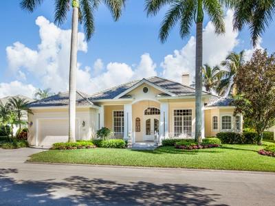 Villa for sales at PELICAN MARSH - GABLES 956  Spanish Moss Trl Naples, Florida 34108 Stati Uniti