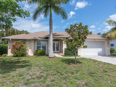 Vivienda unifamiliar for sales at MARCO ISLAND - SANDHILL STREET 170  Sand Hill St Marco Island, Florida 34145 Estados Unidos