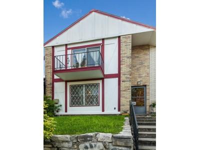 Частный односемейный дом for sales at Townhome in Hill Country Villas 4423 Shakertown  San Antonio, Техас 78238 Соединенные Штаты